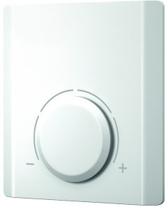 Electronic room thermostat for heating and heating/cooling